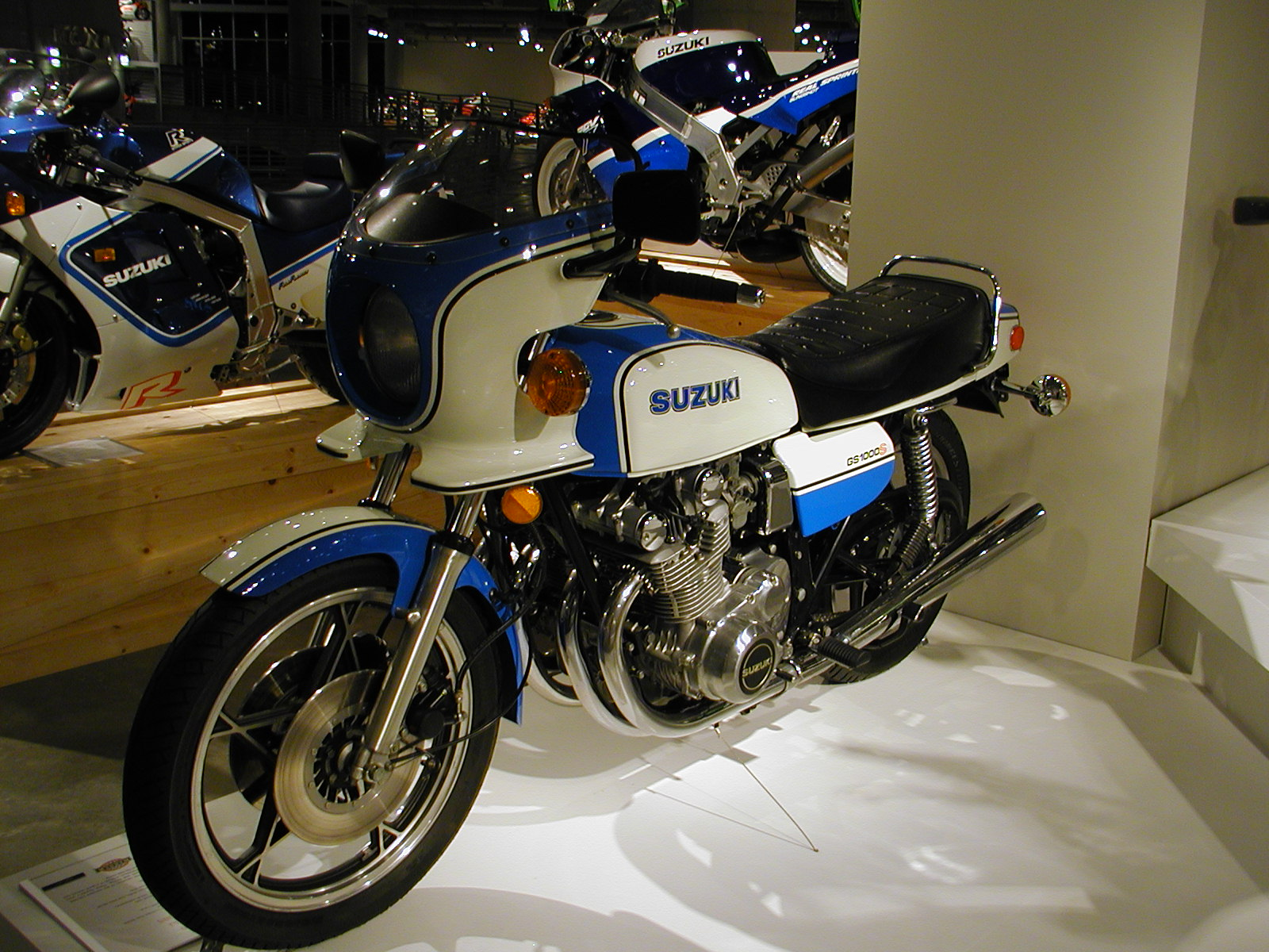 Suzuki DR Big 750 S (reduced effect) 1989 #9