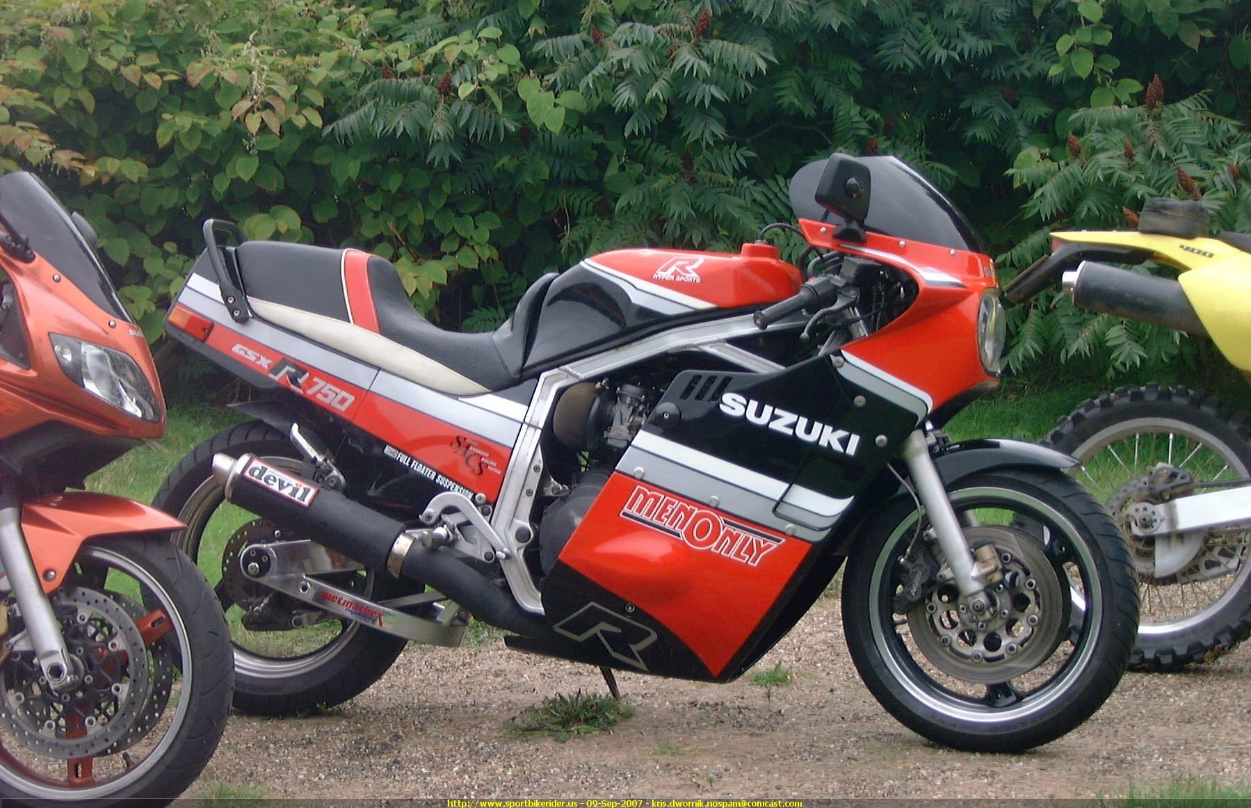 1985 suzuki gsx r 750 moto zombdrive com. Black Bedroom Furniture Sets. Home Design Ideas