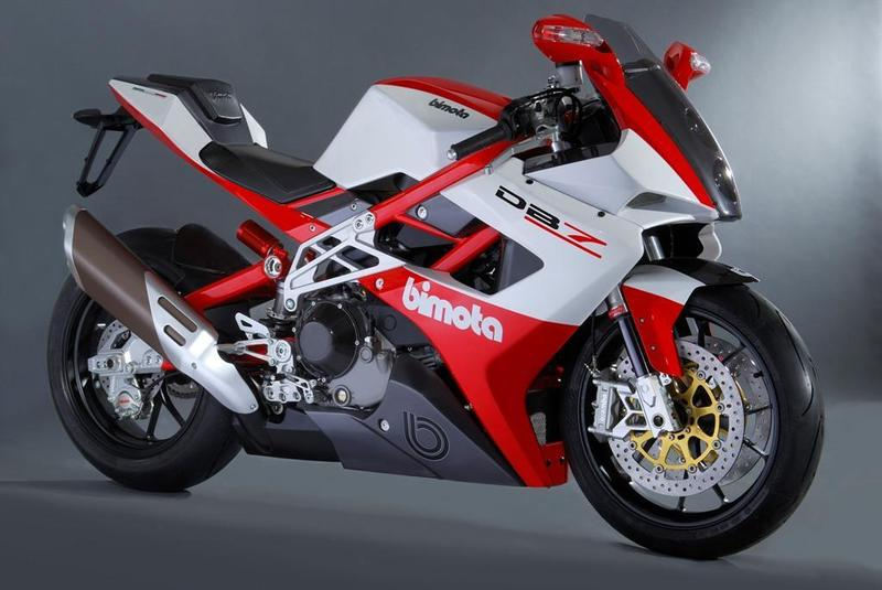 The highly controlled ride on Bimota DB7  #6