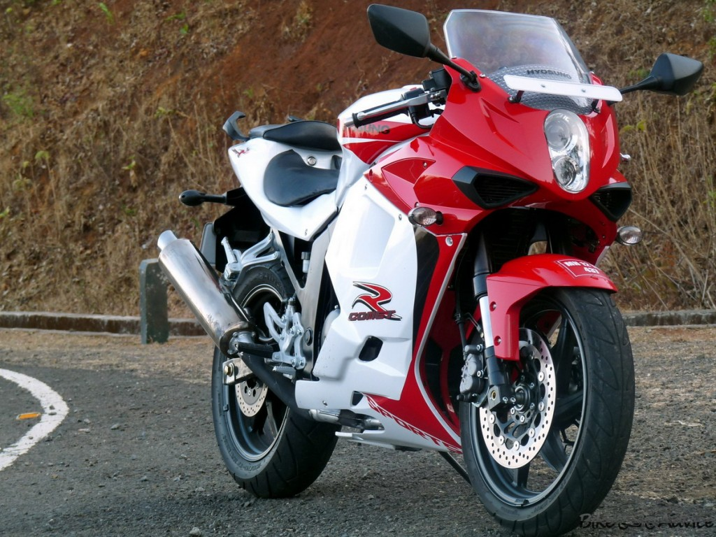 The Korean sports bike Hyosung GT250R #9