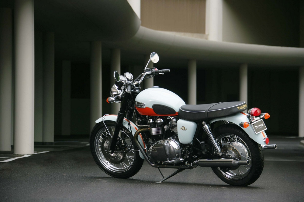Triumph Bonneville 50th #11