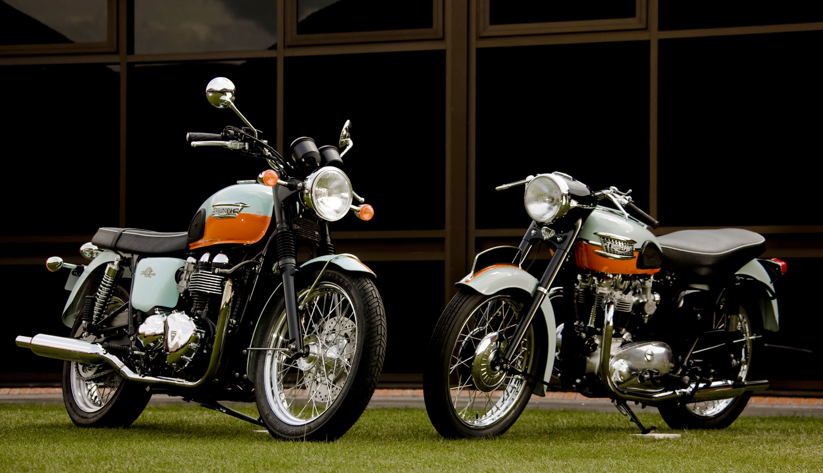 Triumph Bonneville 50th #4