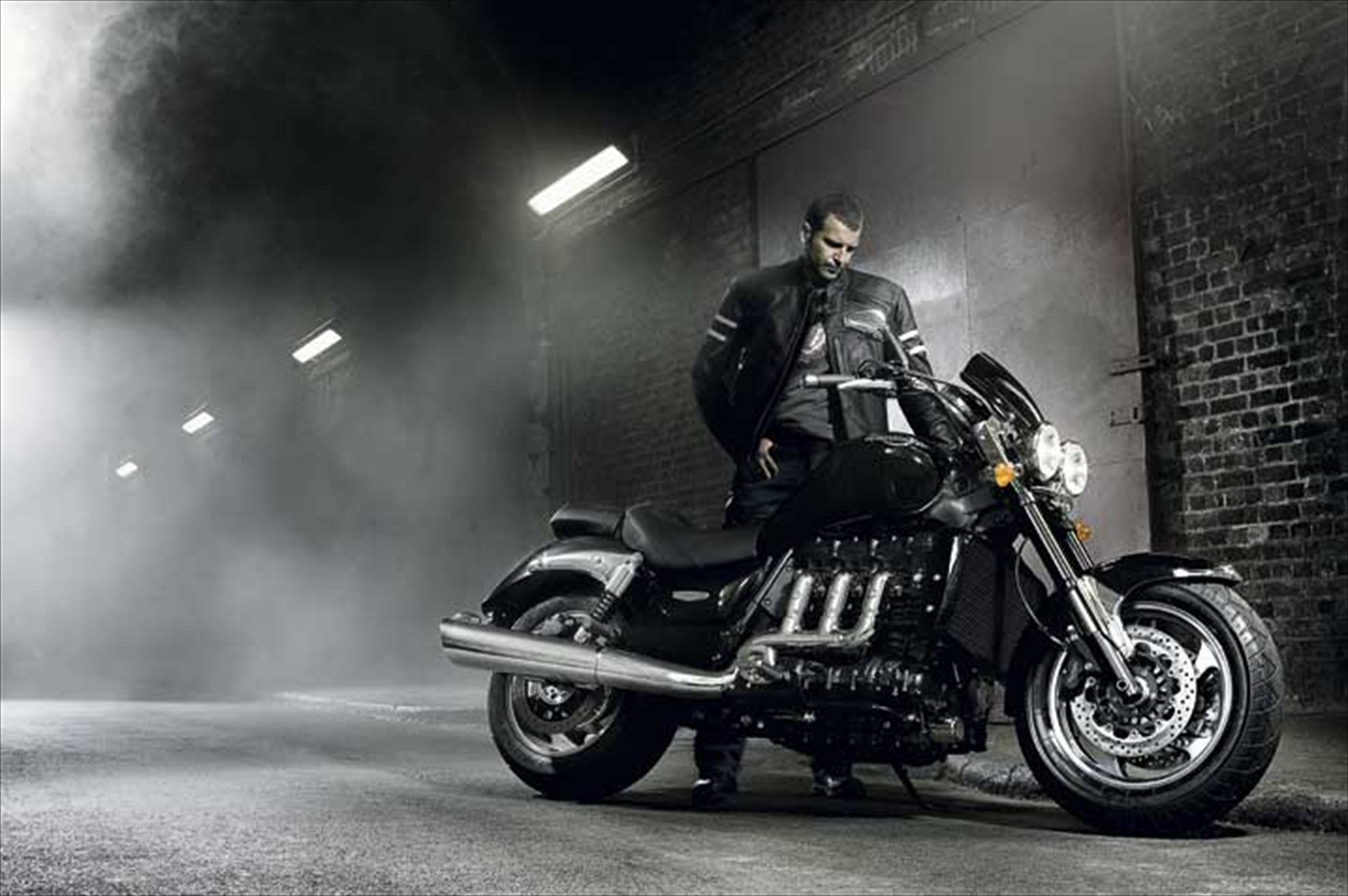 Triumph Rocket III Roadster 2012 #10