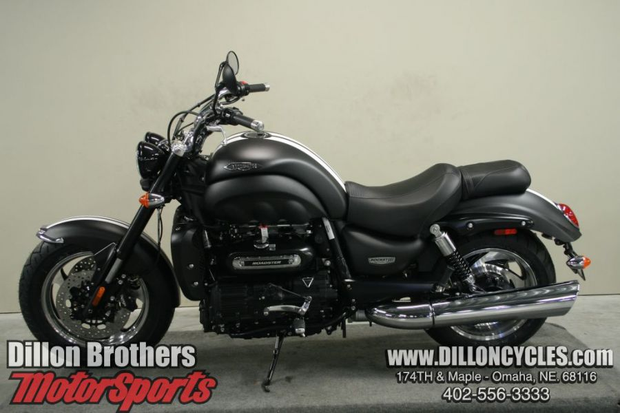 2014 triumph rocket iii roadster moto zombdrive com. Black Bedroom Furniture Sets. Home Design Ideas