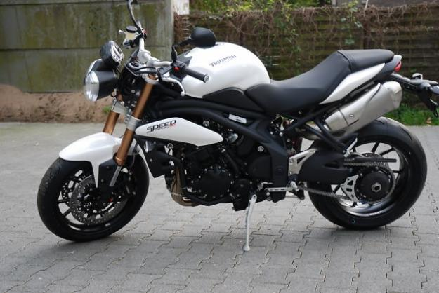 Triumph Speed Triple ABS #13