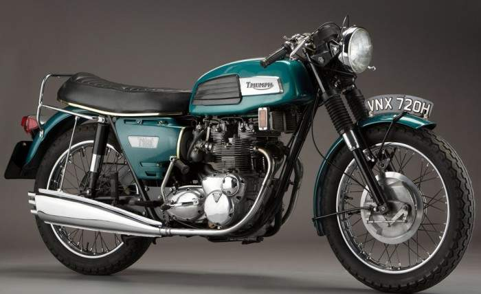 Triumph Trident 750 (reduced effect) #5