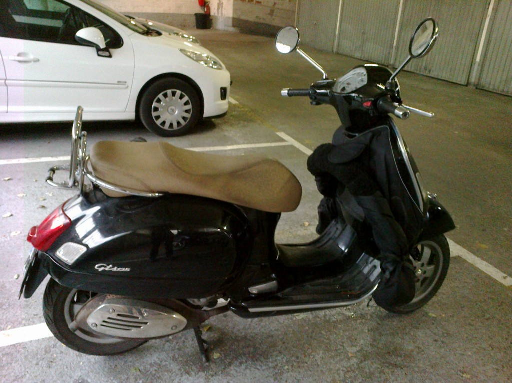 2007 vespa gts 125 moto zombdrive com. Black Bedroom Furniture Sets. Home Design Ideas