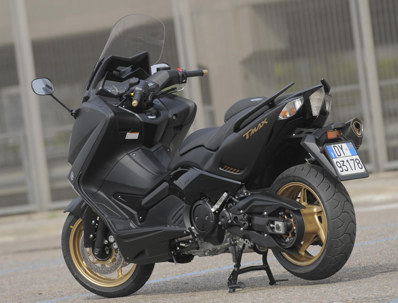 yamaha t max black max. Black Bedroom Furniture Sets. Home Design Ideas