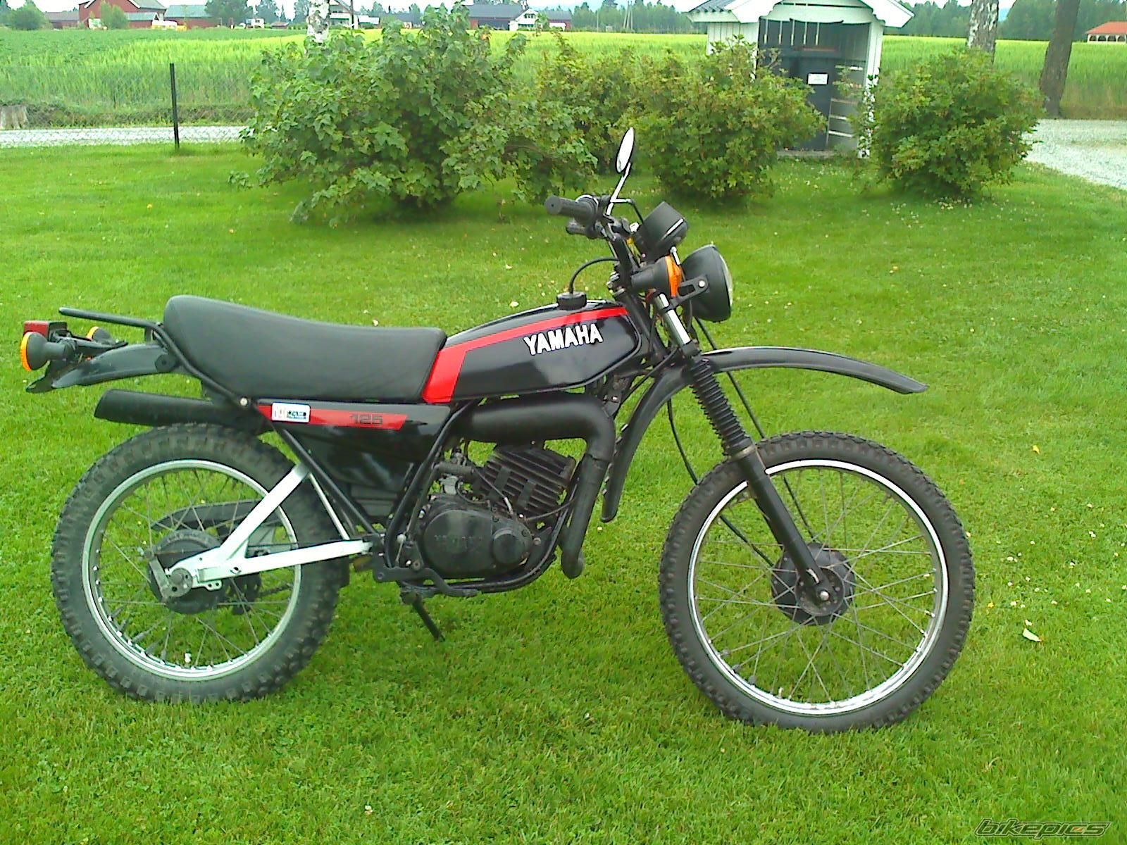 Yamaha Dt 125 Re Pics Specs And List Of Seriess By Ypvs Wiring Diagram 1980 E Moto Zombdrive Com