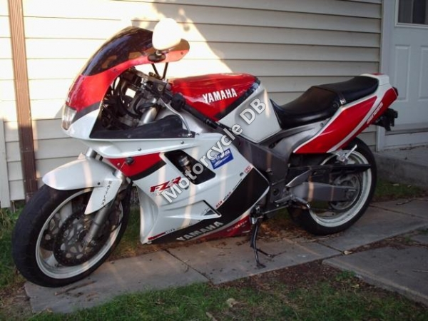 Yamaha FZR 1000 (reduced effect) 1991 #11