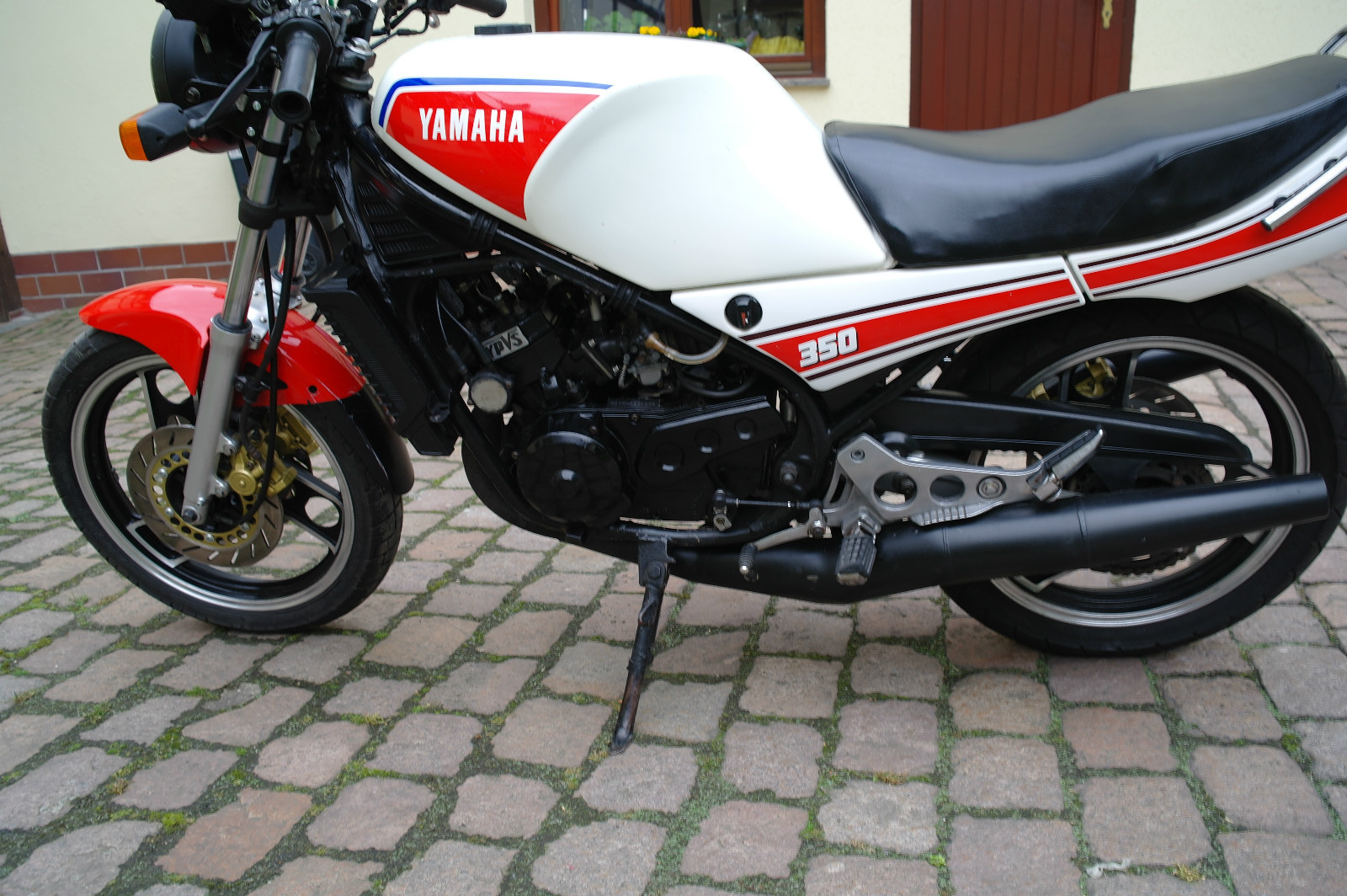 Yamaha RD 350 F (reduced effect) 1986 #11