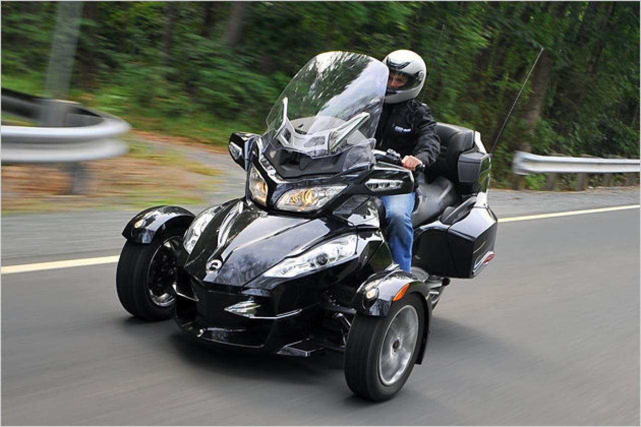 Can Am Spyder Roadster >> Can-Am Can-Am Spyder Roadster RT - Moto.ZombDrive.COM