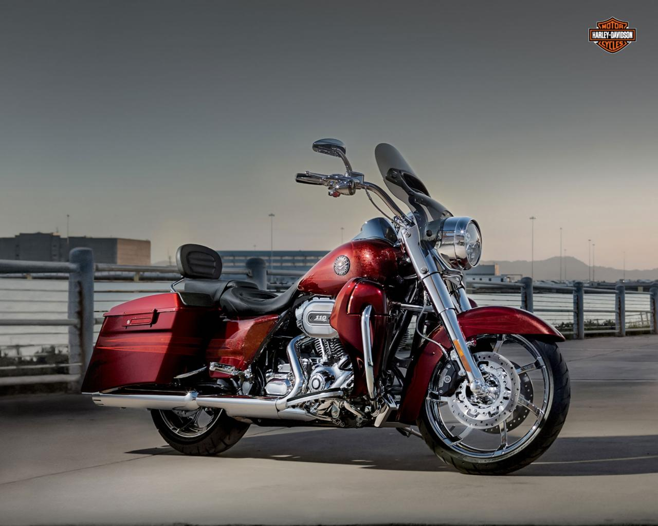 2013 harley davidson cvo road king 110th anniversary moto zombdrive com. Black Bedroom Furniture Sets. Home Design Ideas