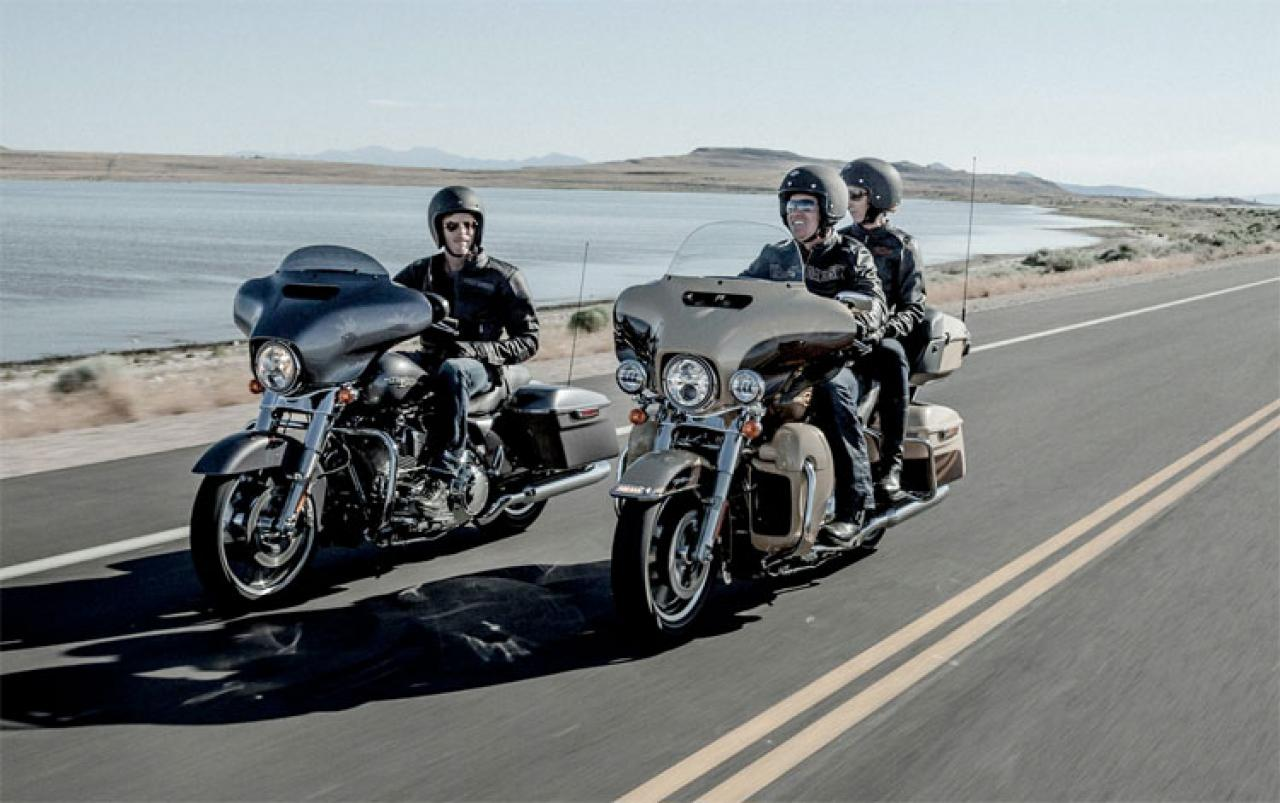 Difference Between Street Glide And Road Glide >> Harley-Davidson Harley-Davidson Electra Glide Road King Classic - Moto.ZombDrive.COM