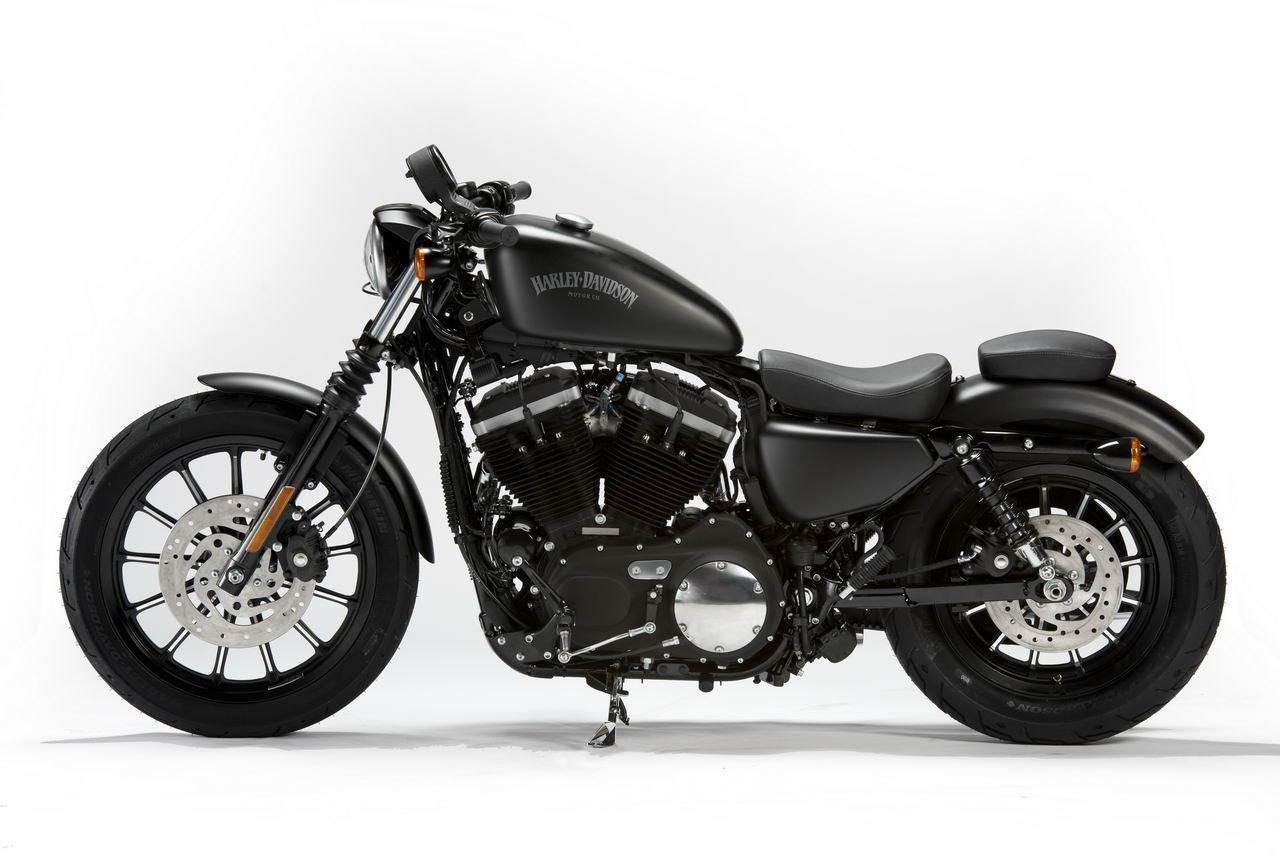 2013 harley davidson sportster iron 883 dark custom moto zombdrive com. Black Bedroom Furniture Sets. Home Design Ideas