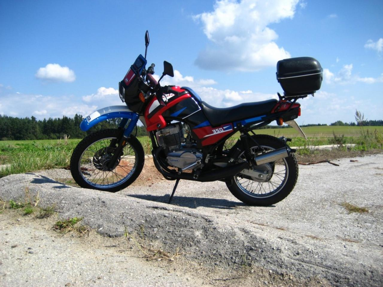 1997 jawa 350 tramp moto zombdrive com. Black Bedroom Furniture Sets. Home Design Ideas