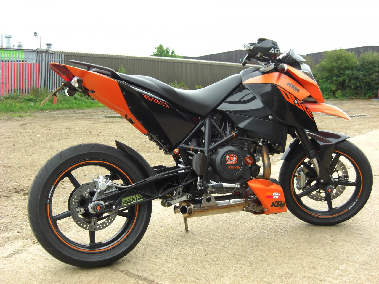2011 ktm 690 duke moto zombdrive com. Black Bedroom Furniture Sets. Home Design Ideas
