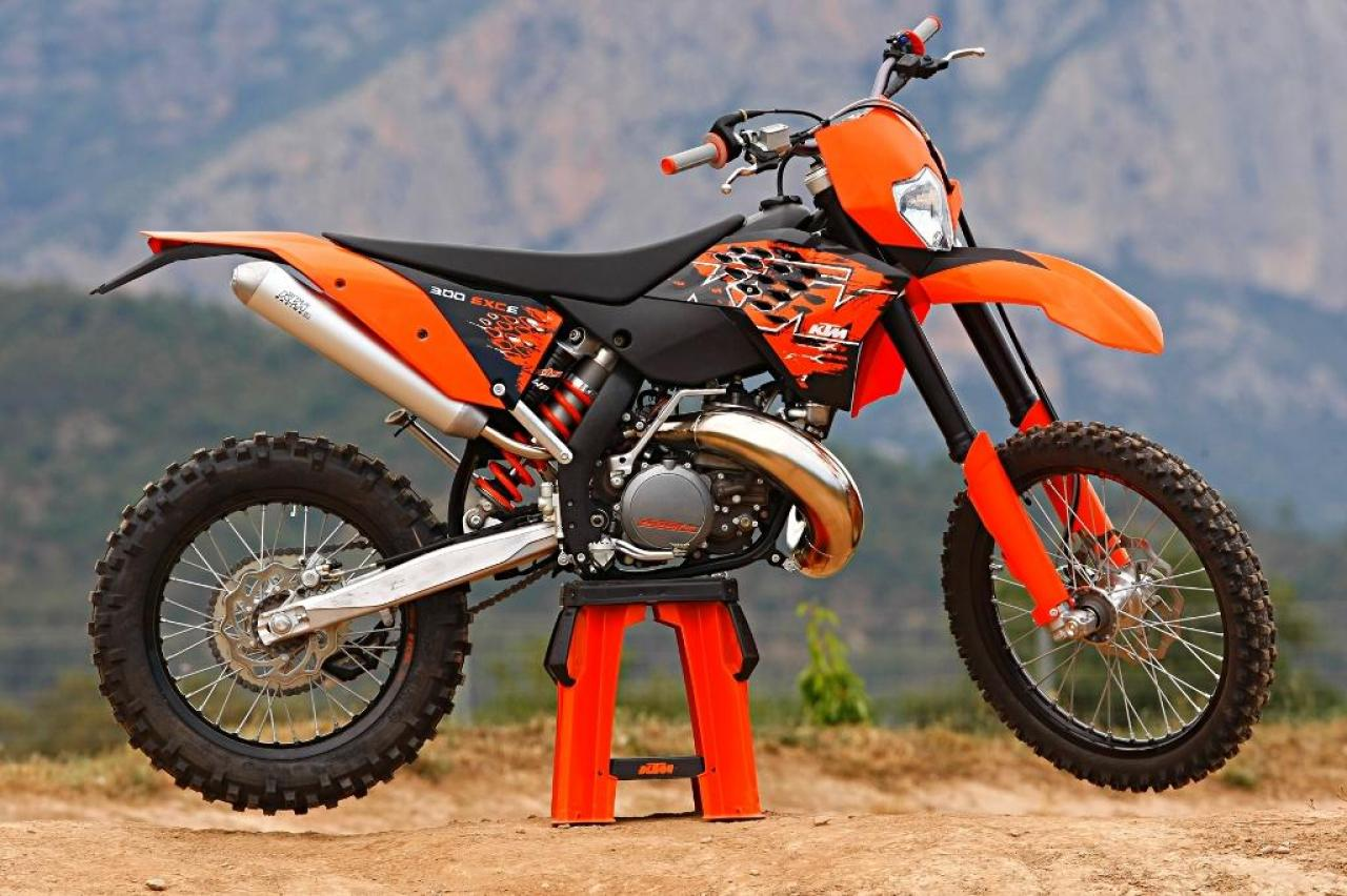 1990 ktm enduro 125 vc moto zombdrive com. Black Bedroom Furniture Sets. Home Design Ideas