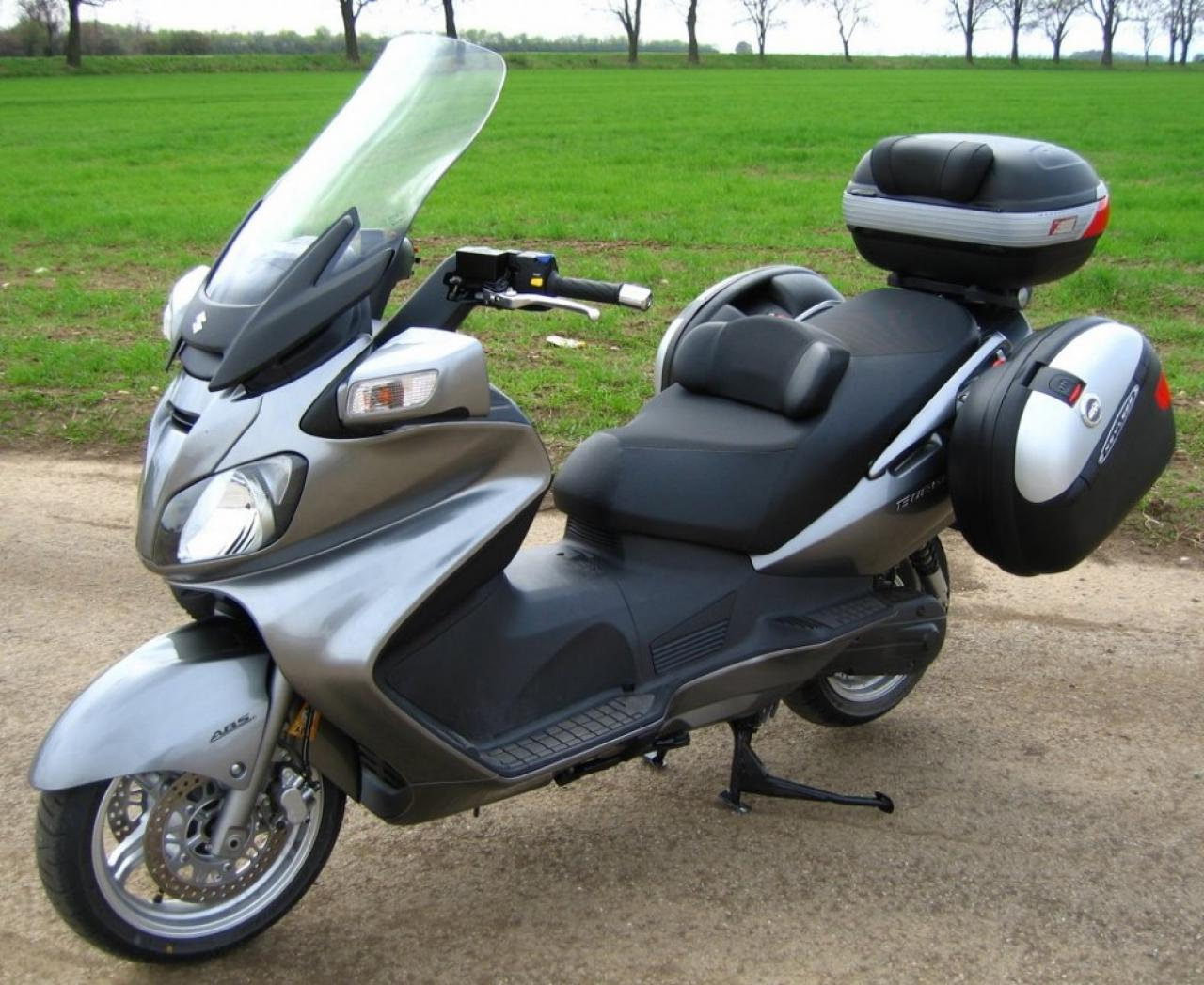 2010 suzuki burgman 650 exec moto zombdrive com. Black Bedroom Furniture Sets. Home Design Ideas