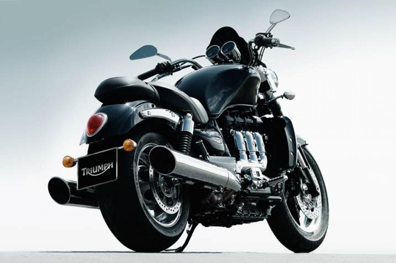 2013 triumph rocket iii roadster moto zombdrive com. Black Bedroom Furniture Sets. Home Design Ideas