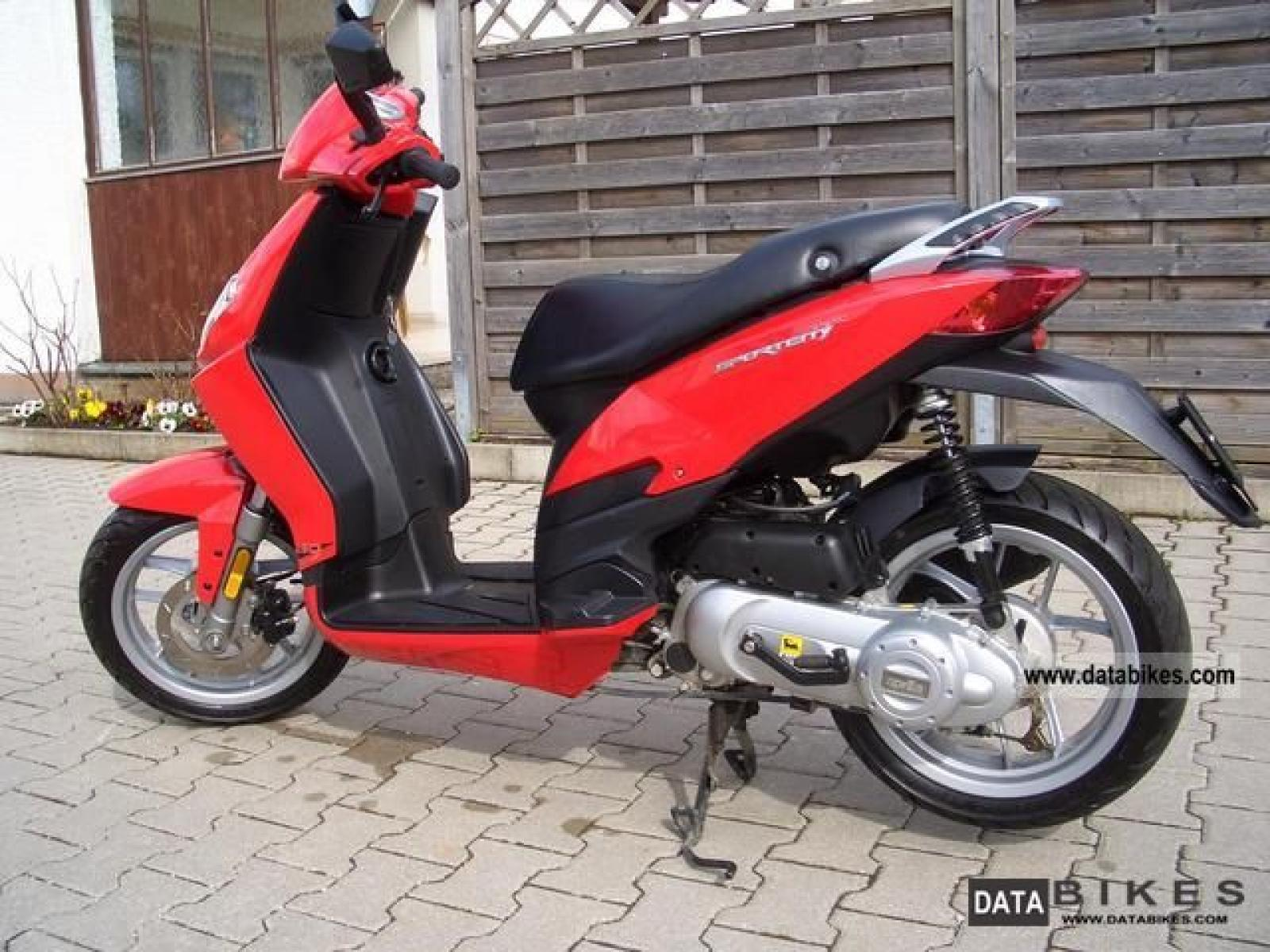 aprilia aprilia sportcity one 50 4t moto zombdrive com. Black Bedroom Furniture Sets. Home Design Ideas