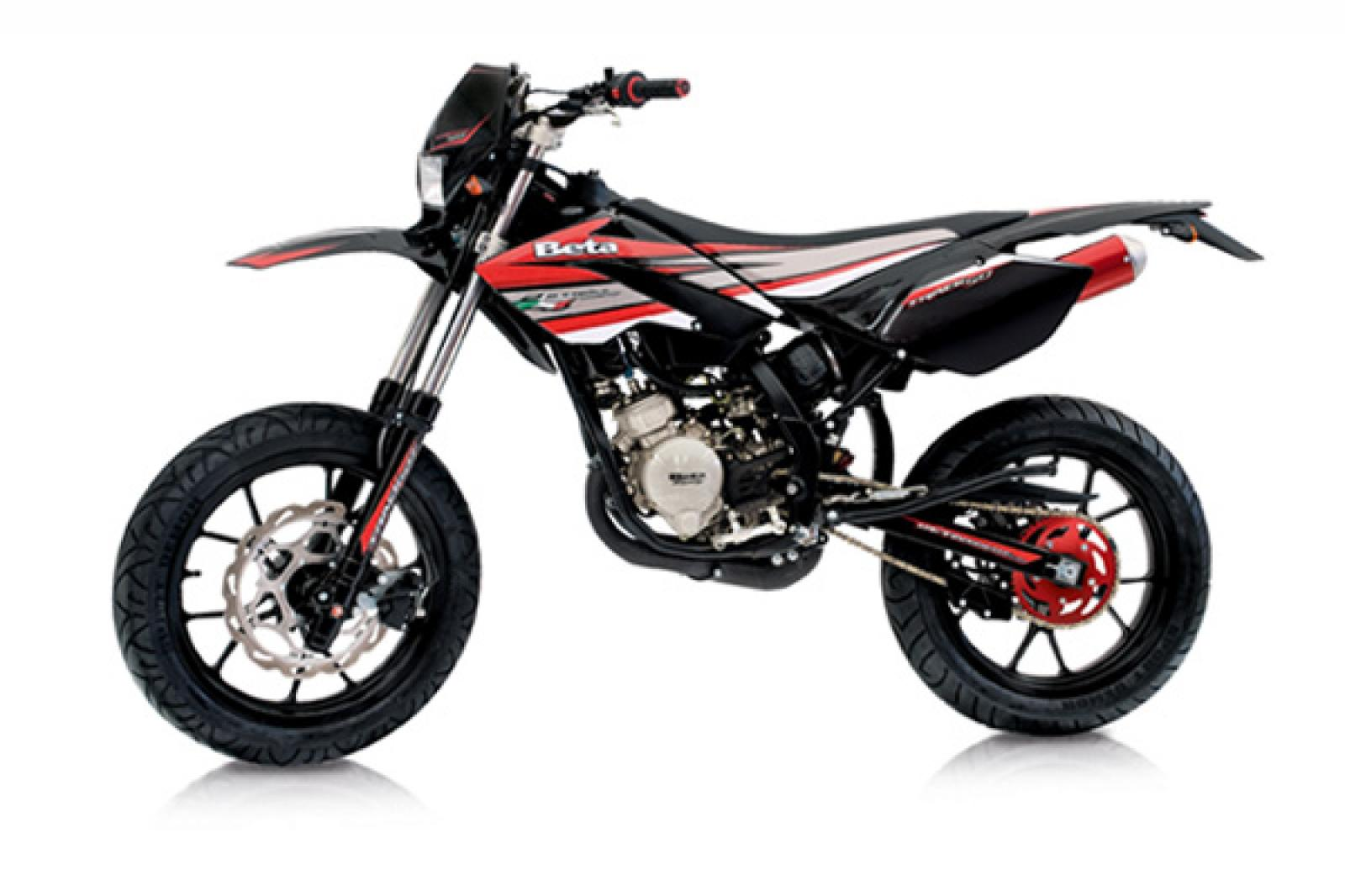 2010 beta rr 50 motard track moto zombdrive com. Black Bedroom Furniture Sets. Home Design Ideas