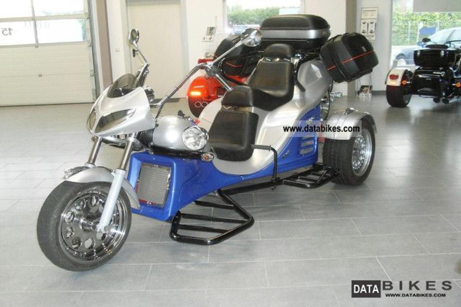 Motorcycle trikes with automatic transmission