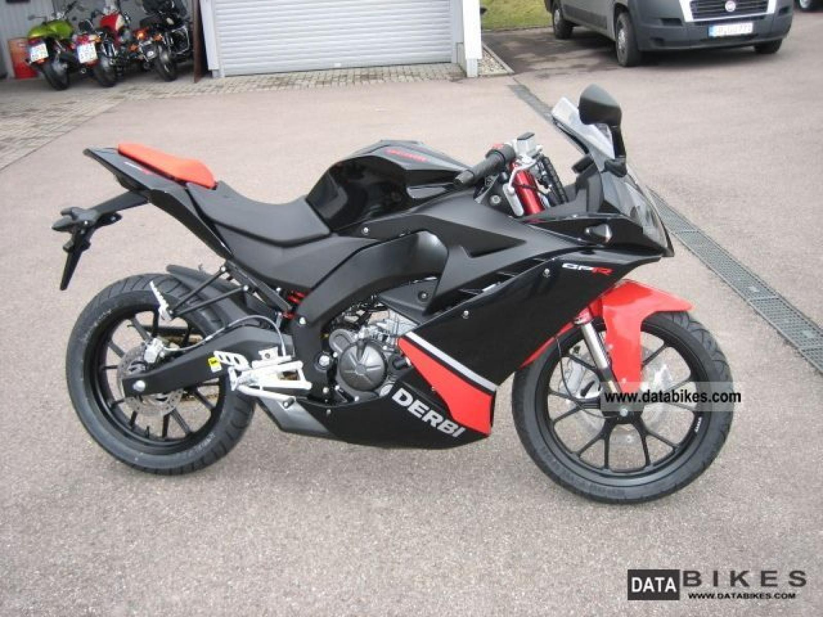 2009 derbi gpr 125 4t 4v moto zombdrive com. Black Bedroom Furniture Sets. Home Design Ideas