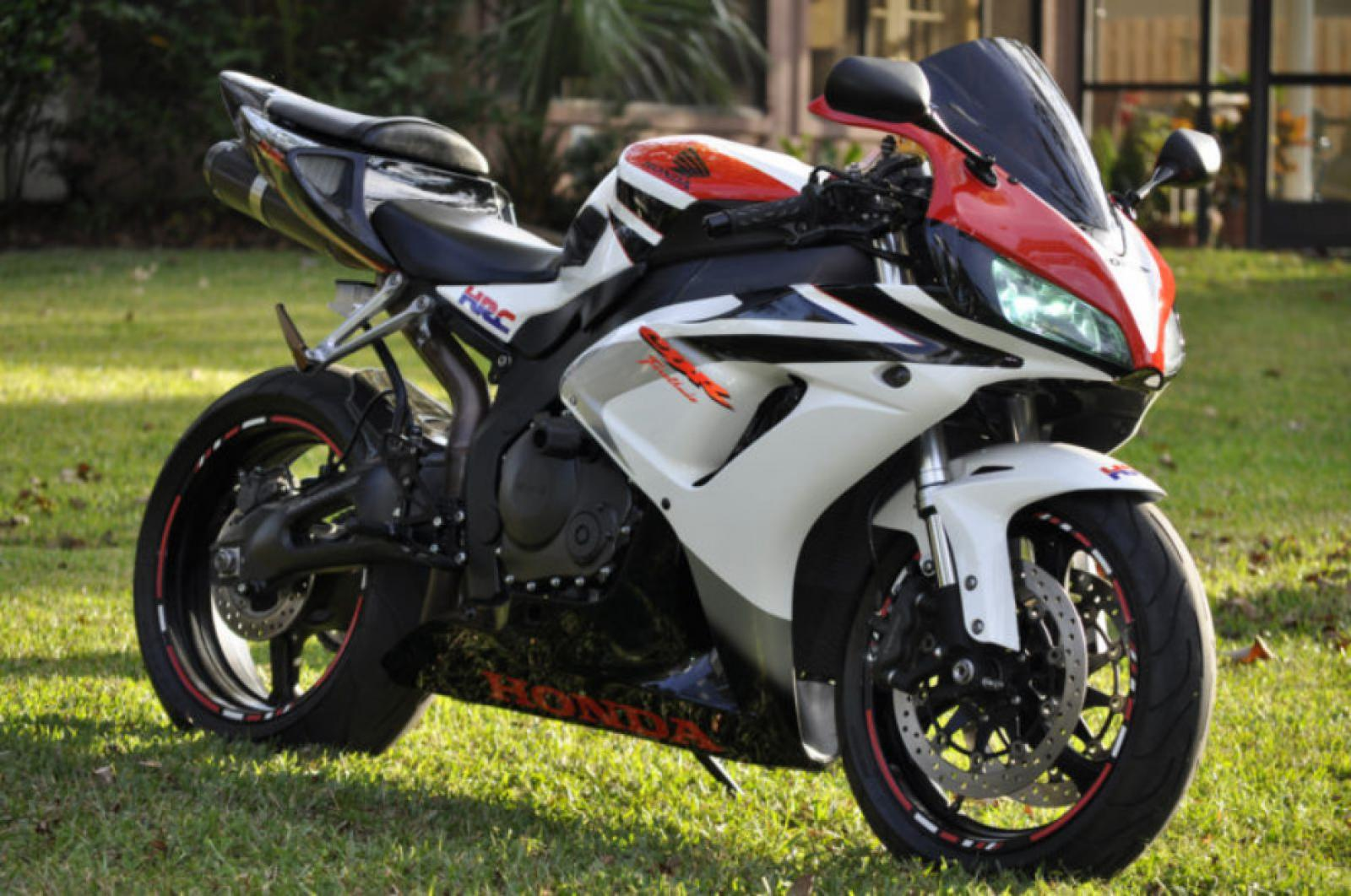 2007 honda cbr1000rr fireblade moto zombdrive com. Black Bedroom Furniture Sets. Home Design Ideas