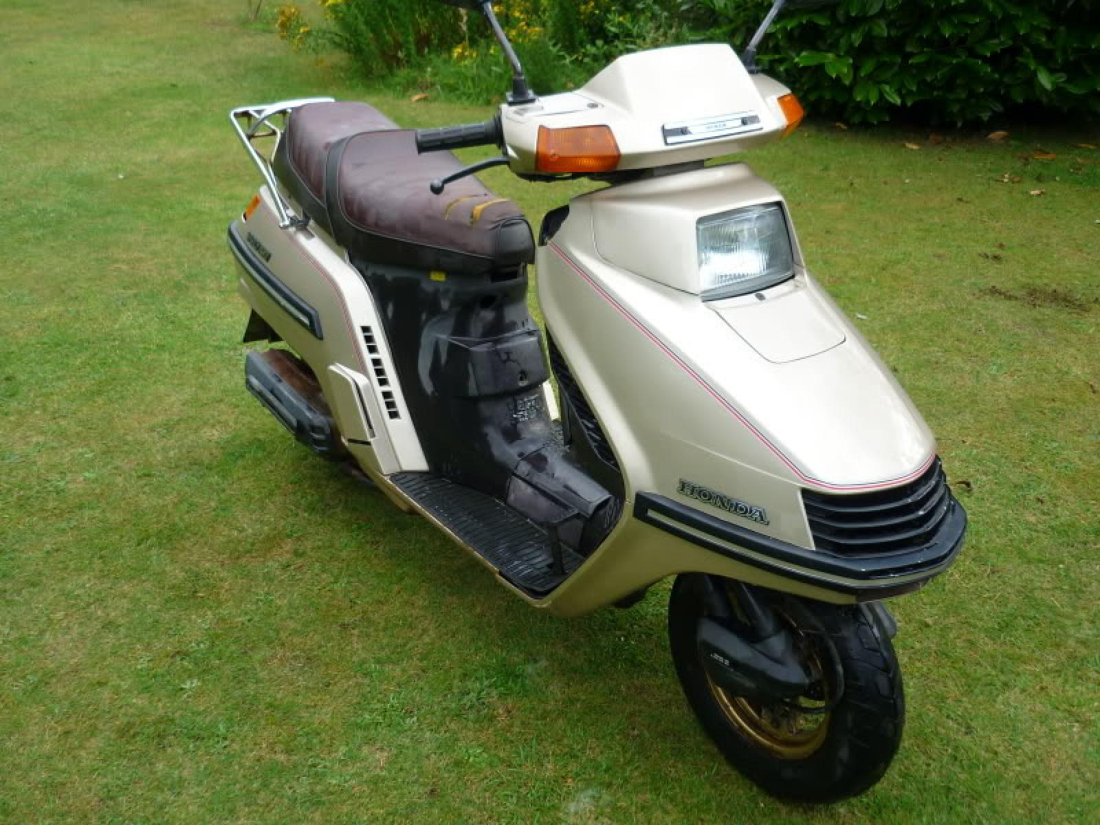 Honda Honda CH 250 Spacy/Elite - Moto ZombDrive COM