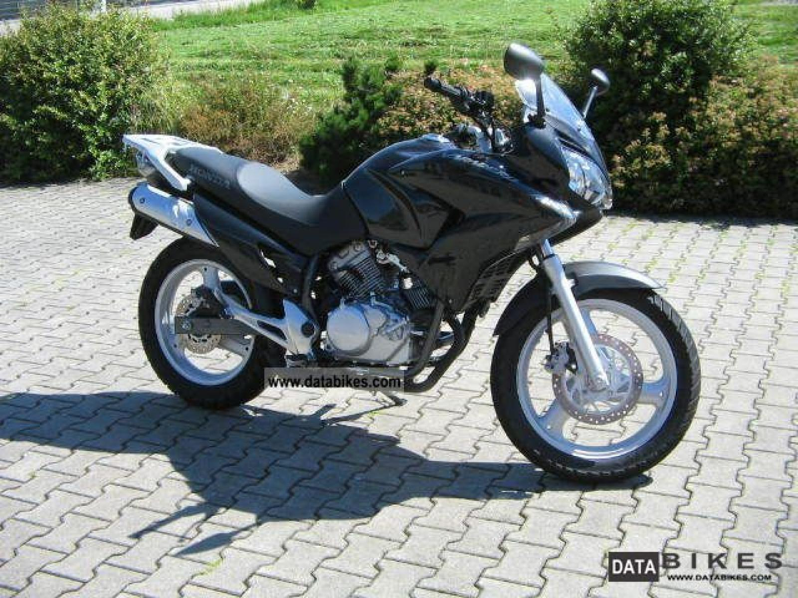 2008 honda xl125v varadero moto zombdrive com. Black Bedroom Furniture Sets. Home Design Ideas