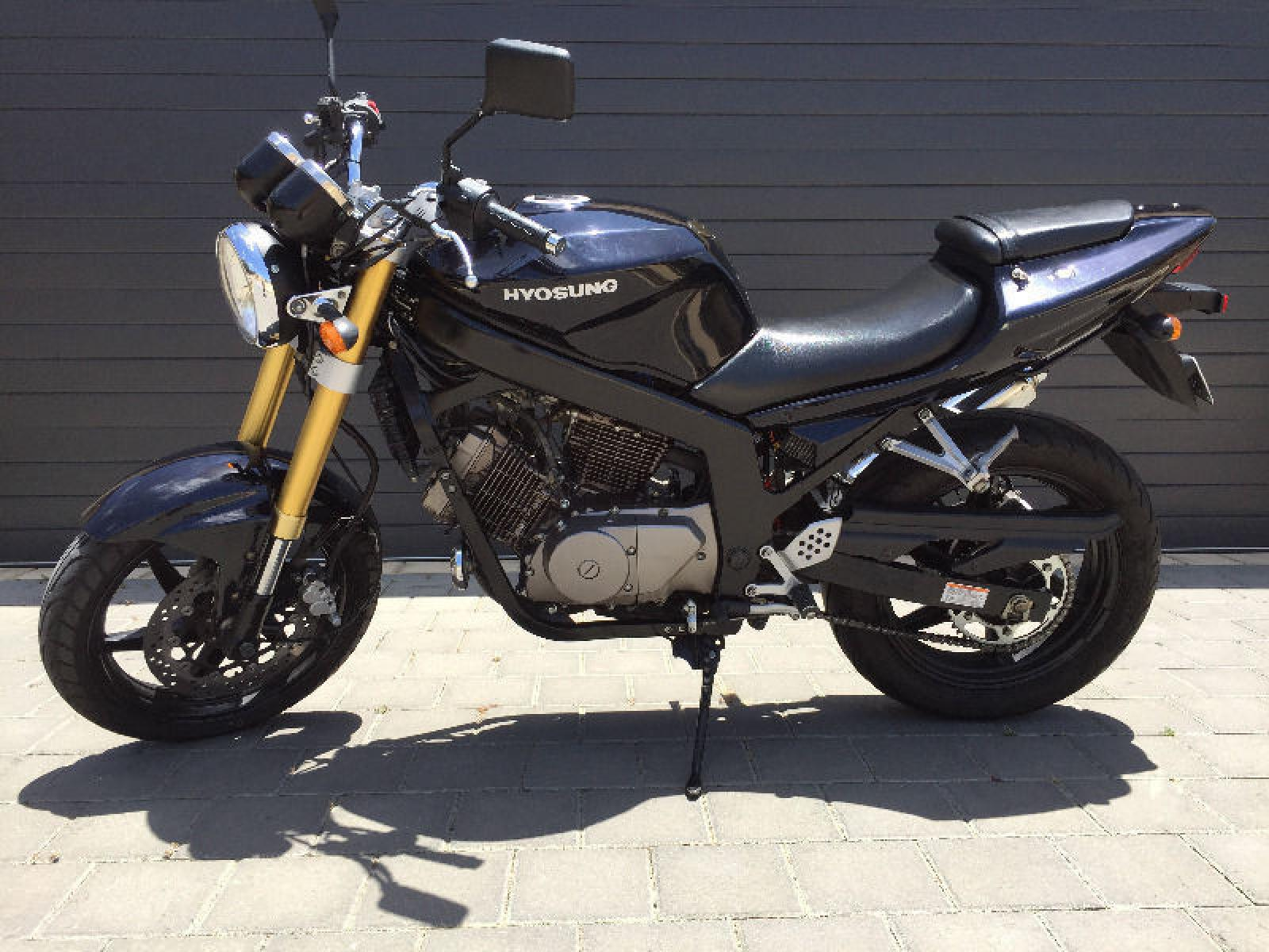 2007 Hyosung GT250 Naked - GT250 Comet specifications and