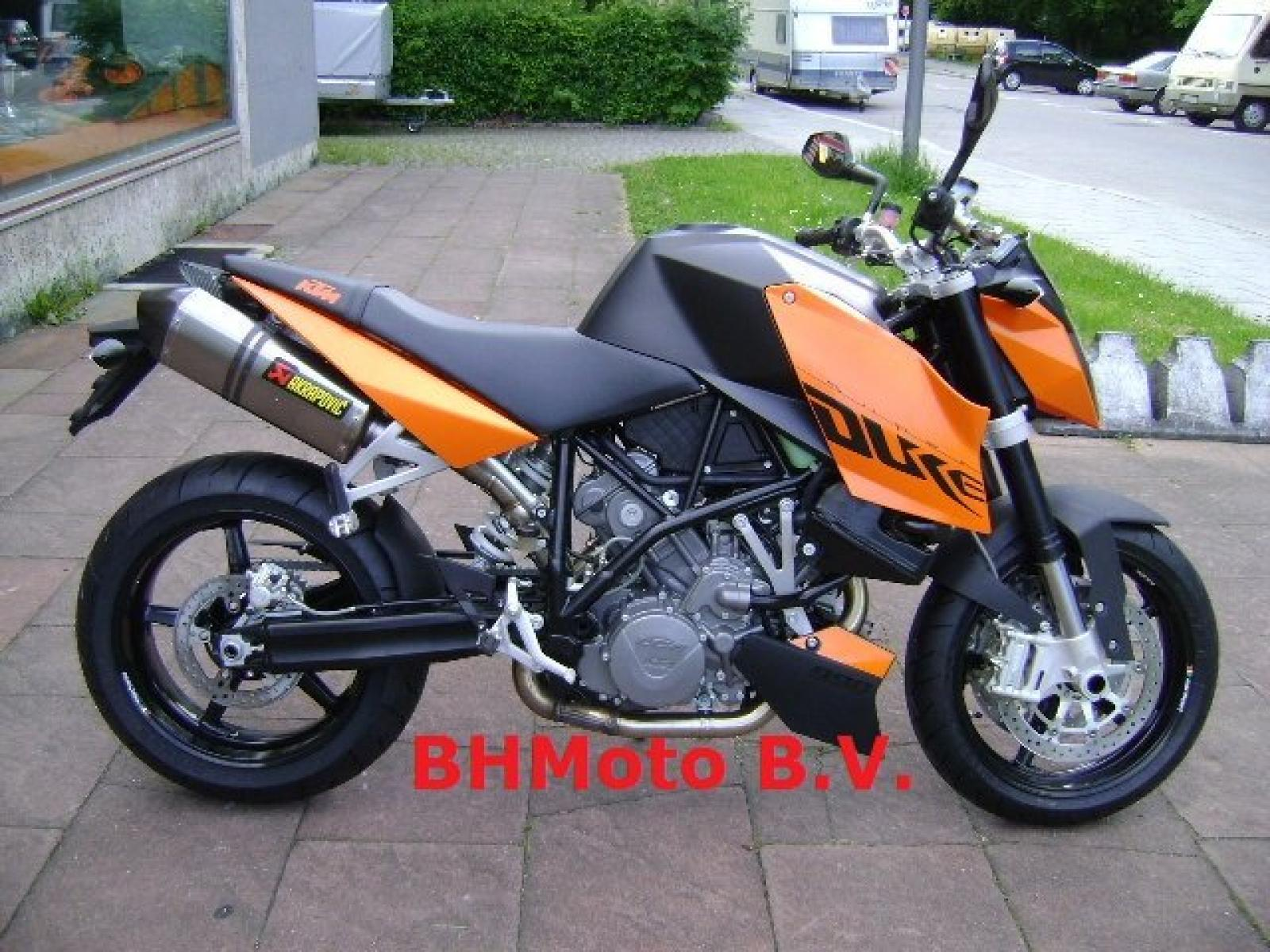 2010 ktm 990 super duke moto zombdrive com. Black Bedroom Furniture Sets. Home Design Ideas