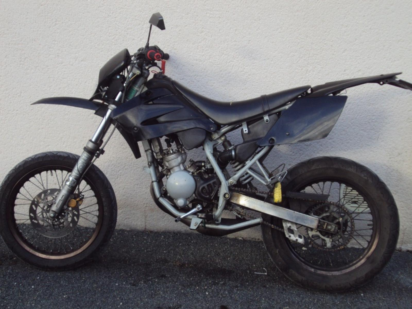 Peugeot Xps Sm Wiring Diagram Free Download Lights 2006 Super Motard Moto Zombdrive Com Furthermore A Potentiometer For Motor Along With