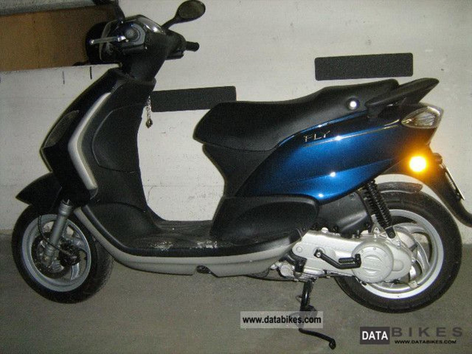 2010 piaggio fly 50 moto zombdrive com. Black Bedroom Furniture Sets. Home Design Ideas