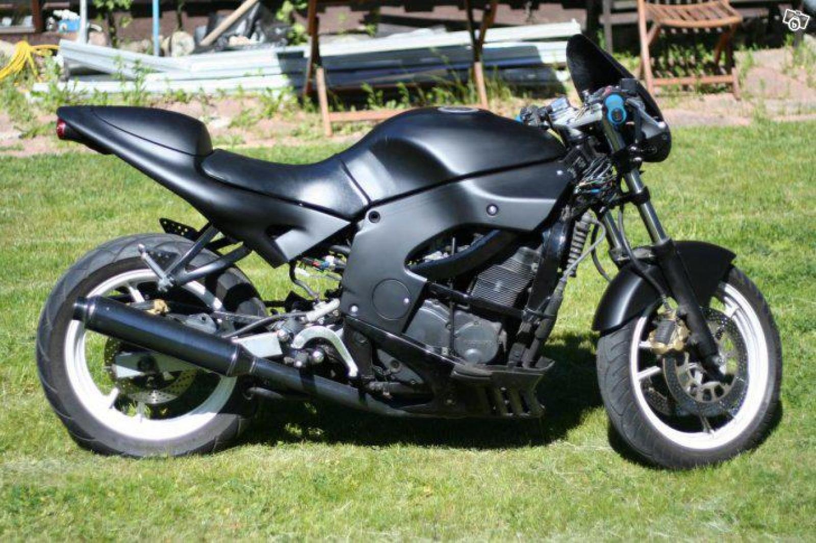 1988 suzuki gsx 600 f moto zombdrive com. Black Bedroom Furniture Sets. Home Design Ideas