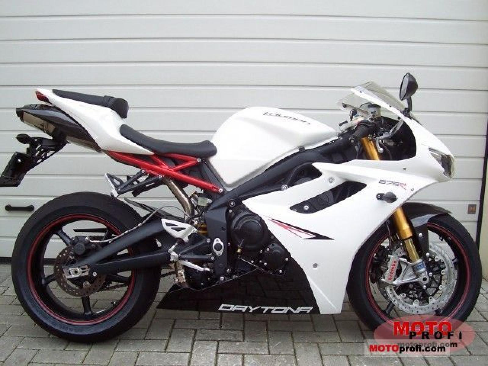 2011 triumph daytona 675 r moto zombdrive com. Black Bedroom Furniture Sets. Home Design Ideas