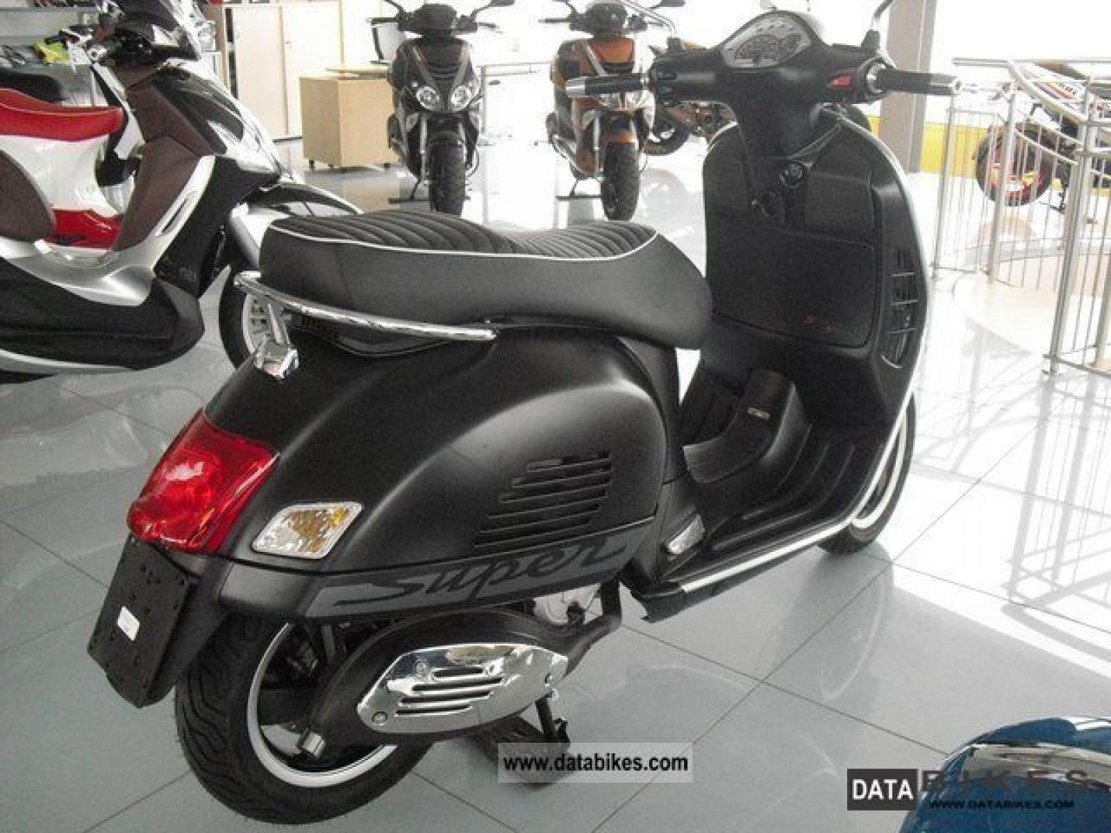 2011 vespa gts 125 super moto zombdrive com. Black Bedroom Furniture Sets. Home Design Ideas