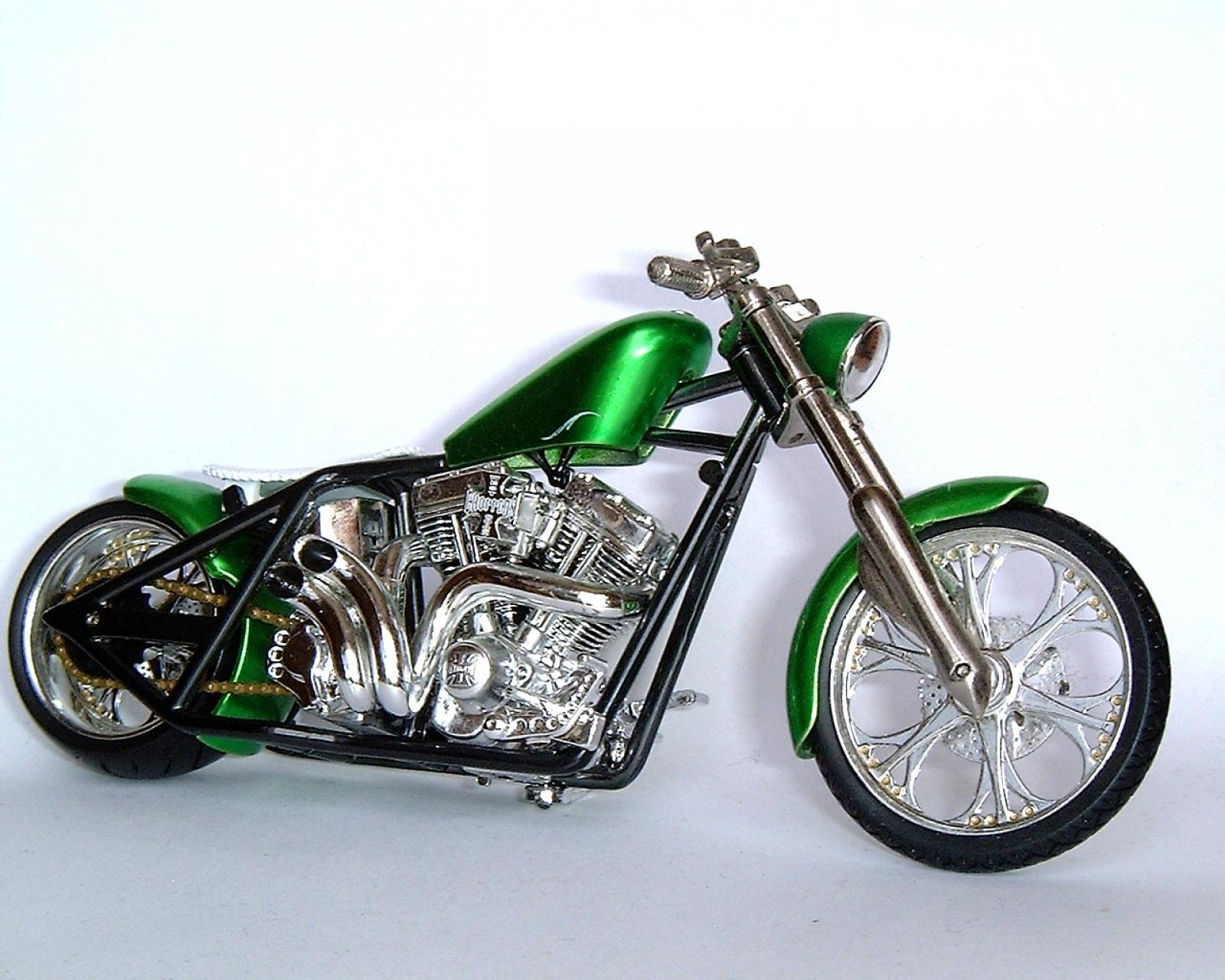 2010 west coast choppers dominator moto zombdrive com. Black Bedroom Furniture Sets. Home Design Ideas