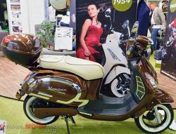 A retro-designed Kumpan 1954 scooter #9