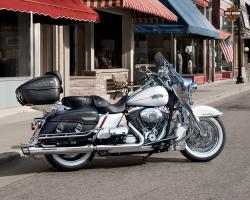 Harley-Davidson FLHRC Road King Classic 2011 #7