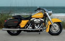 Harley-Davidson FLHRS Road King Custom 2006