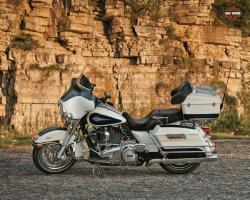 Harley-Davidson FLHTC Electra Glide Classic 2012