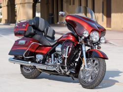 Harley-Davidson FLHTCUSE4 CVO Ultra Classic Electra Glide 2009 #4