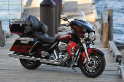 Harley-Davidson FLHTCUSE6 CVO Ultra Classic Electra Glide 2011 #13