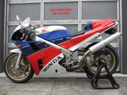 Honda VFR750R / RC30 (reduced effect) #12