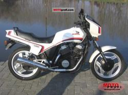 1984 Honda VT500E (reduced effect)