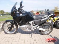 1990 Honda XRV750 Africa Twin (reduced effect)