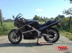1988 Kawasaki GPZ600R (reduced effect)