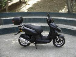 The efficient scooter Keeway ARN 125